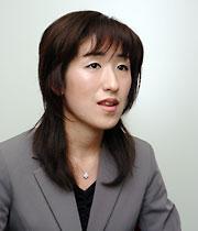 須賀亜希子コンサルタント写真